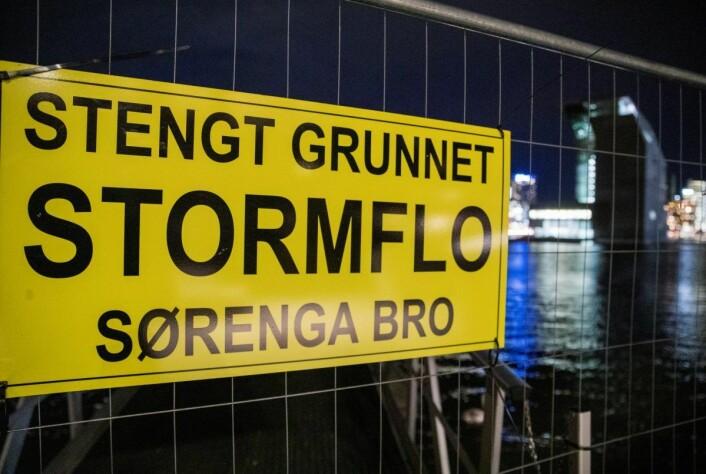 Tydelig skiltet ved broen på Sørenga. Foto: Terje Pedersen / NTB scanpix