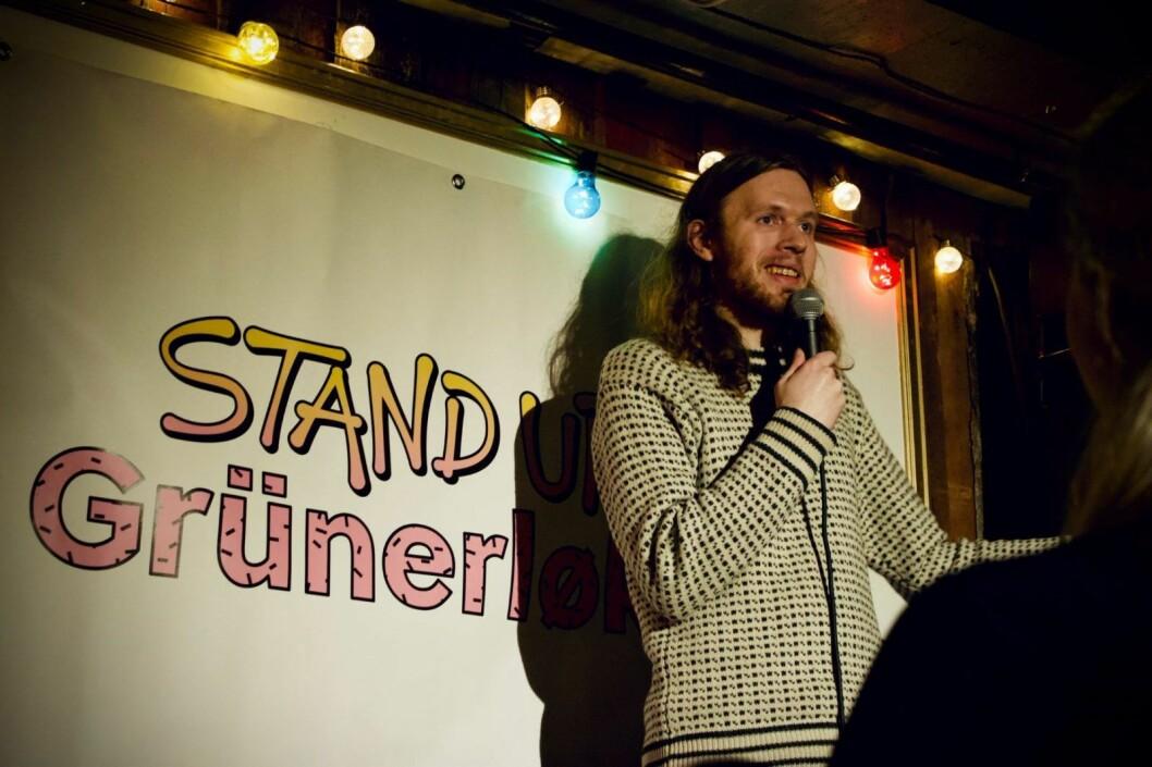 Aleksander Øklands originale vinklinger gjorde denne komikeren til en av kveldens vinnere. Foto: Tone Brandal