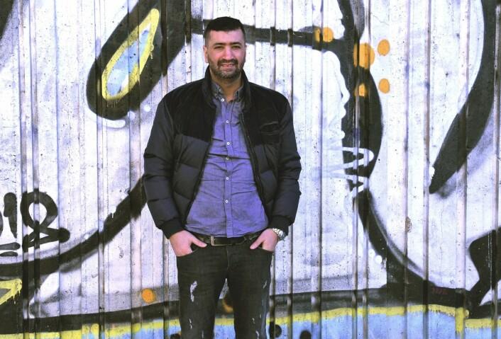 Mohamed Fariss etterlyser flere ungdomstilbud i Gamle Oslo. Også utenfor sentrumskjernen av bydelen. Foto: Christian Boger