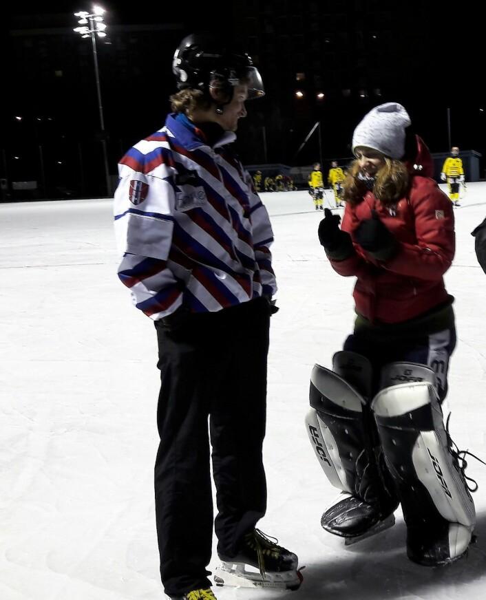 Mathilde Hveding Langmo gjør seg klar til en seriekamp mot Skeid for herrelaget til Sagene. Foto: Anders Høilund