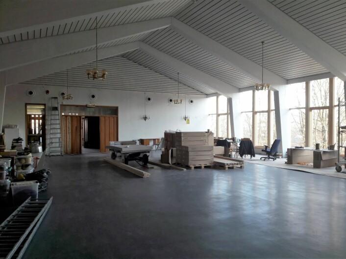 Menighetssalen i Hasle kirke er under full restaurering. Foto: Anders Høilund