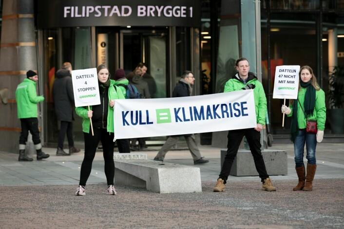 Kull gir klimakrise er budskapet til Greenpeace. Foto: Johanna Hanno / Greenpeace