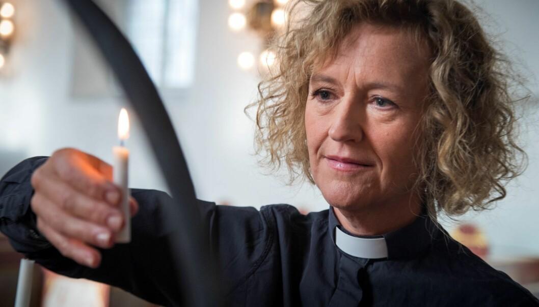 Oslos biskop Kari Veiteberg setter nå en stopper for nattverd den neste drøye måneden.