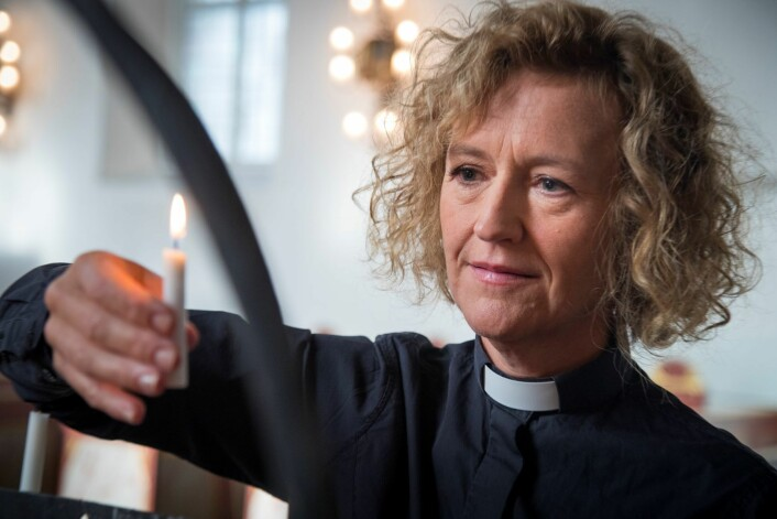 – Jeg er kirkeleder i Oslo like mye på natta som på dagen. Det er vondt å vandre hvileløst rundt uten et sted å gå til, sier Oslos biskop Kari Veiteberg. Foto: Heiko Junge / NTB scanpix