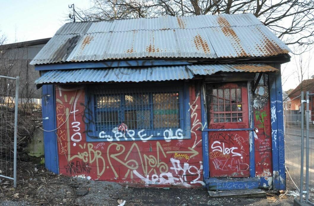 Bak Sotakiosken ligger tomtene der OBOS ønsker å bygge boliger. Ifølge boligselskapet står kiosken i veien for fremtidig utbygging. Foto: Arnsten Linstad
