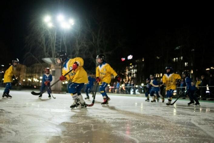 Jentene fra Ullevål IL spilte oppvisningskamp på Narvisen, og de imponerte. Foto: Bjørnar Morønning