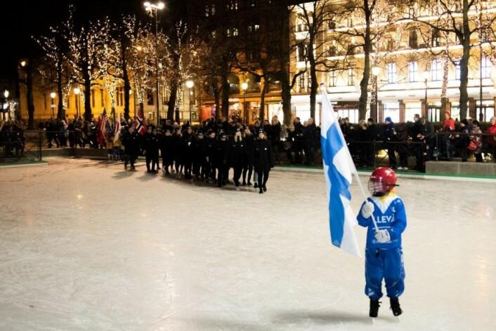 Det var høytidelig innmarsj før den offisielle åpningen av VM. Foto: Bjørnar Morønning