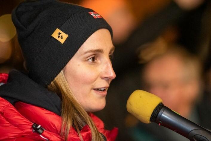 Norges kaptein, Lene Skrettingland, ønsket spillerne velkommen til Oslo. Foto: Bjørnar Morønning