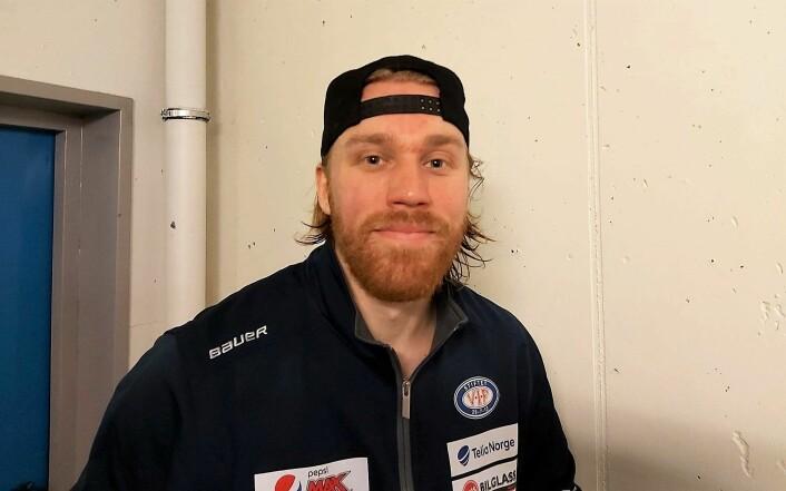 Banens lirare (bestemann), Henrik Olsén, er strålende fornøyd etter kampen mot Narvik. Foto: André Kjernsli