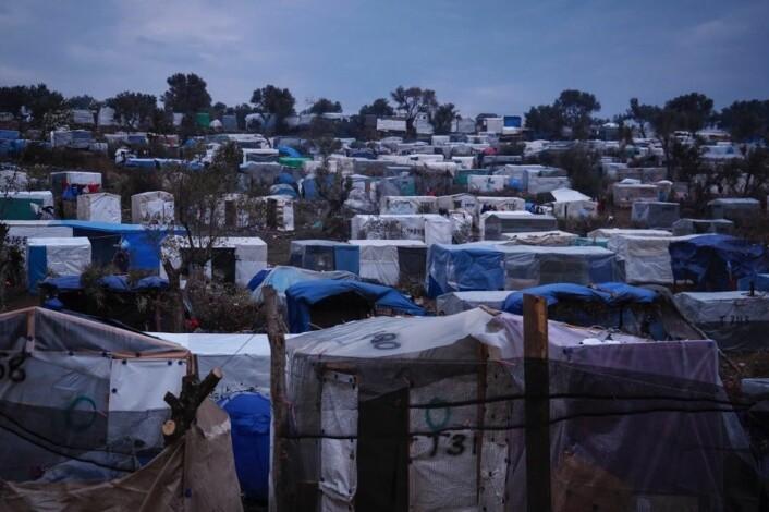 FN rapporterer at mer enn 18.000 flytkninger bor i en leir på den greske øya Lesvos, som er beregnet for maksimalt 2.200 personer. Foto: Knut Bry / Tinagent