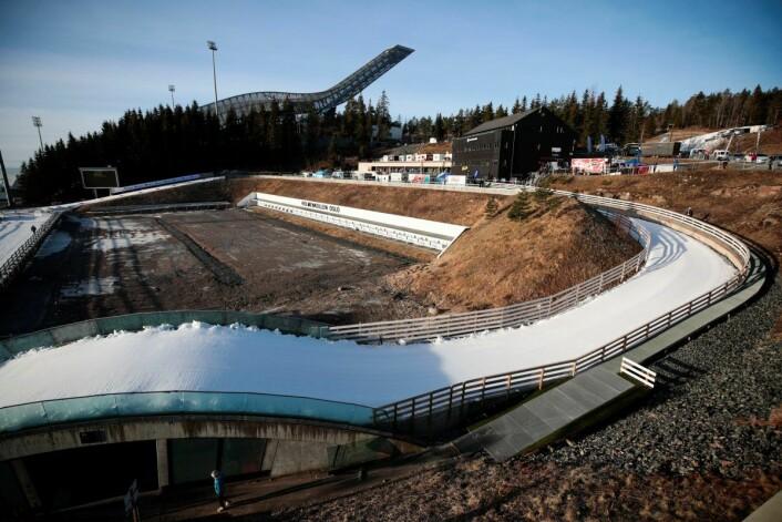 Slik så anlegget i Holmenkollen ut for en og en halv uke siden. Arrangøren er optimistisk med tanke på å få til en lengre sløyfe til tre- og femmila. Foto: Lise Åserud / NTB scanpix