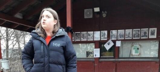 Blinde Andrea sin førerhund, Ortiz, nektes snart å gå løs i Stensparken. Det har lokalpolitikerne bestemt