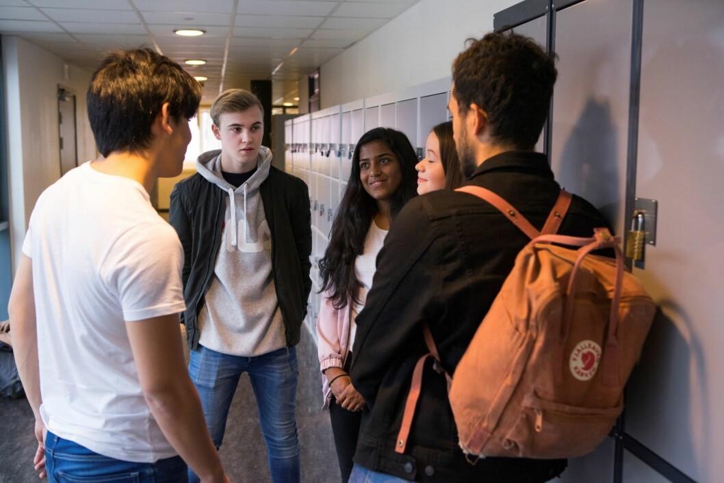 Raymond Johansen mener regjeringen bør holde fingrene unna og la Oslo få bestemme selv hva som skal være reglene for inntak til videregående skole. Foto: Thomas Brun /