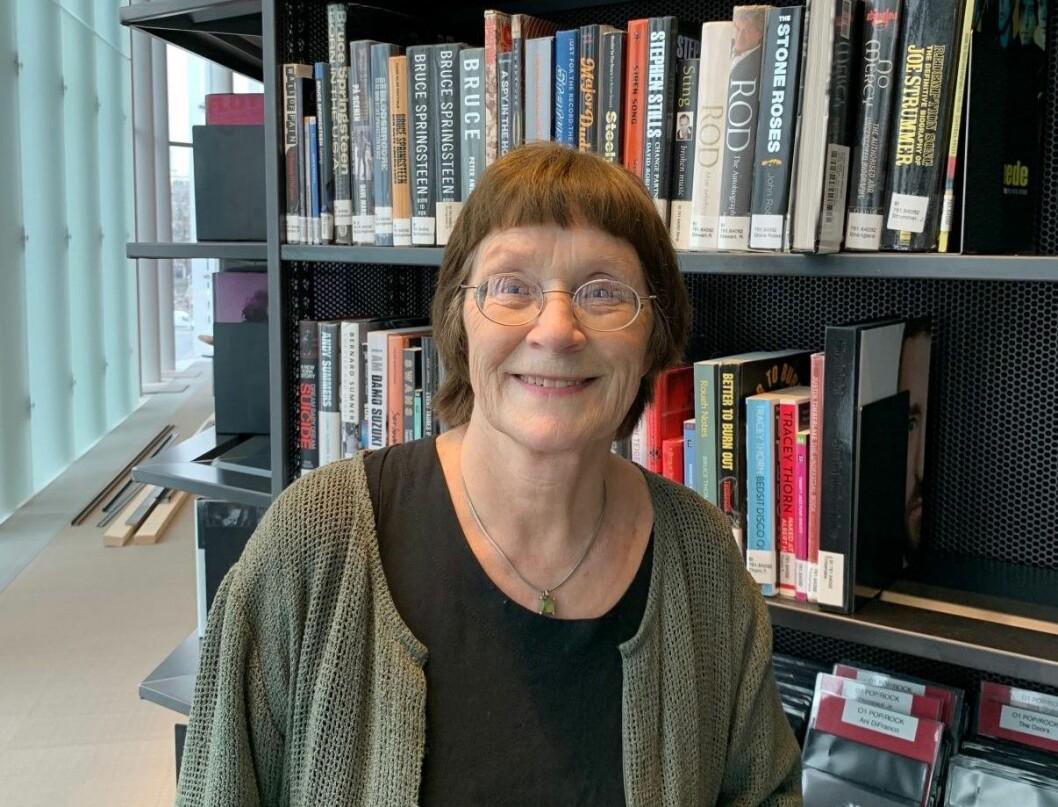 Leder av Deichmanklubben, Toril Høimyr, er lettet over å slippe å forholde seg til SIAN på biblioteket. Foto: Steinar Ottesen