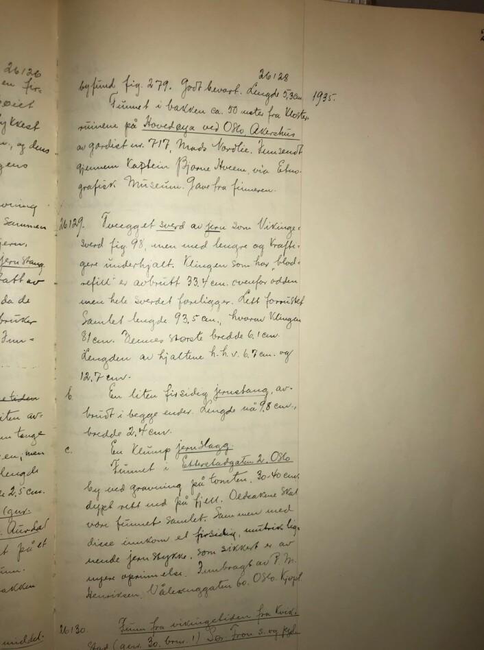 Teksten fra gjenstandsprotokollen i 1935. Foto: Kulturhistorisk museum