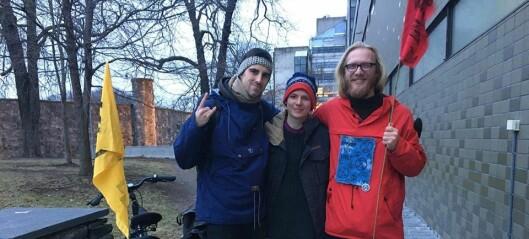 Tre aktivister fra Extinction Rebellion arrestert etter å ha gått på ski opp Hegdehaugsveien