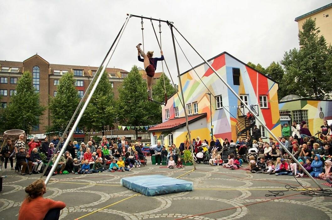Hagesirkus på plassen rundt Urtehagen barnehage, arrangert av Nabolagshager og Oslo Living Lab. Foto: Kate Milosavljevic