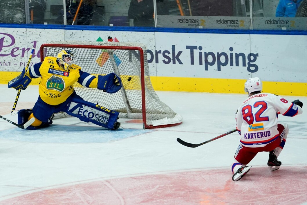 Jørgen Karterud scoret alle de tre målene for Vålerenga mot Storhamar denne uken. Her mot MS. Foto: Fredrik Hagen / NTB scanpix