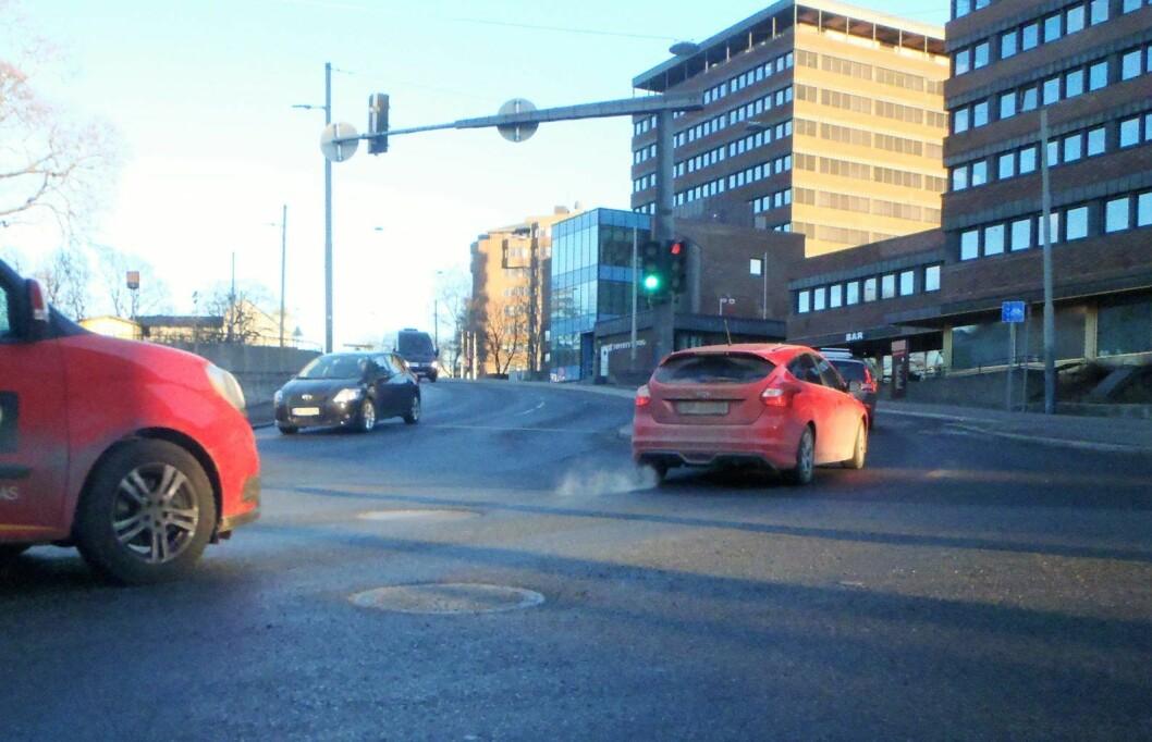 Forurensningen fra dieselbiler blir til potensielt helsefarlig svevestøv. Foto: Kay Asbjørn Schjørlien