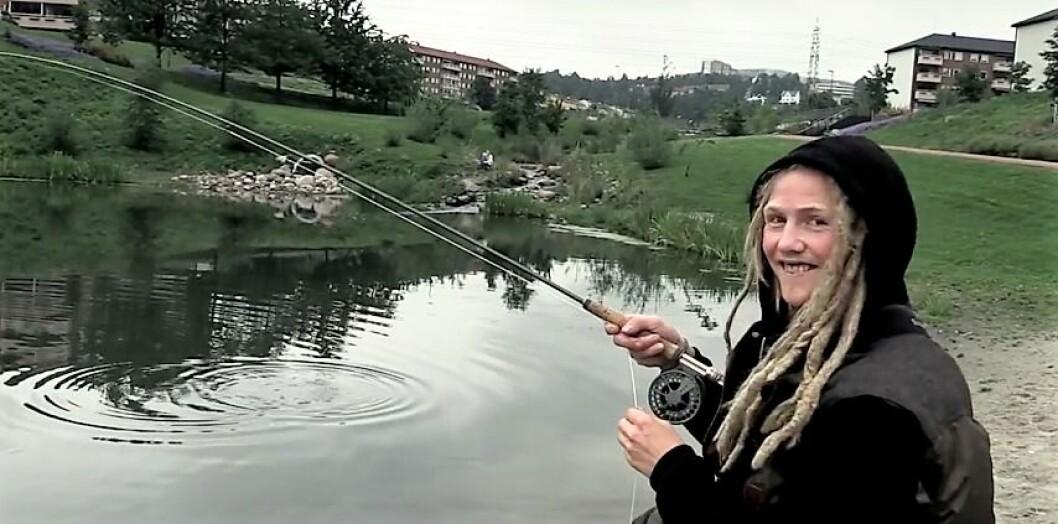 Kristian Leraand fisker der ingen skulle tru at noen ørret kunne bu
