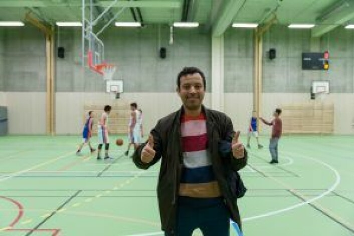 � Idretten holder de unge unna rus, slåsskamper og kriminalitet, mener Mimoun El Atiaoui, leder av Sportsklubben Sterling. Foto: Anna Carlsson