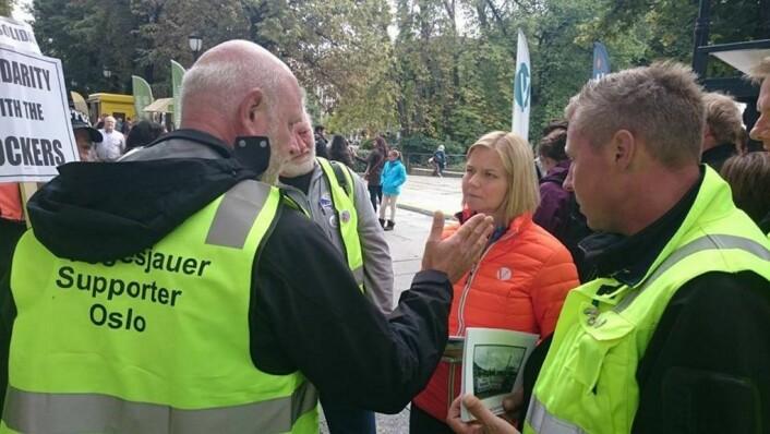 Politikerne kan få se mer til Oslos havnearbeidere før valget i 2017. Her konfronteres daværende samferdselsbyråd, Guri Melby, foran lokalvalget i 2015. Foto: Christian Boger