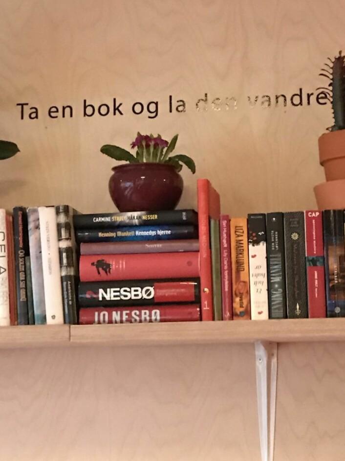 """Skaperverkets låneordning, """"Ta en bok – og la den vandre""""."""