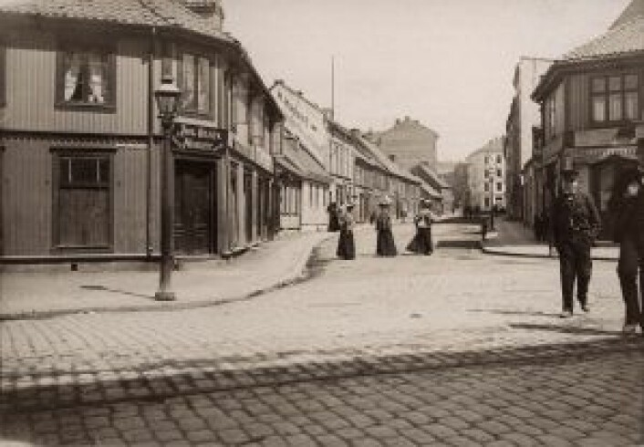 Tøyengata sett fra Grønlandsleiret i 1896. Foto: Theodor Kielland-Torkildsen / Oslo Museum
