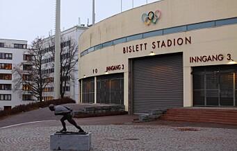 Slåsskamp mellom fotballfans på kampen mellom Lyn og Vålerenga på Bislett