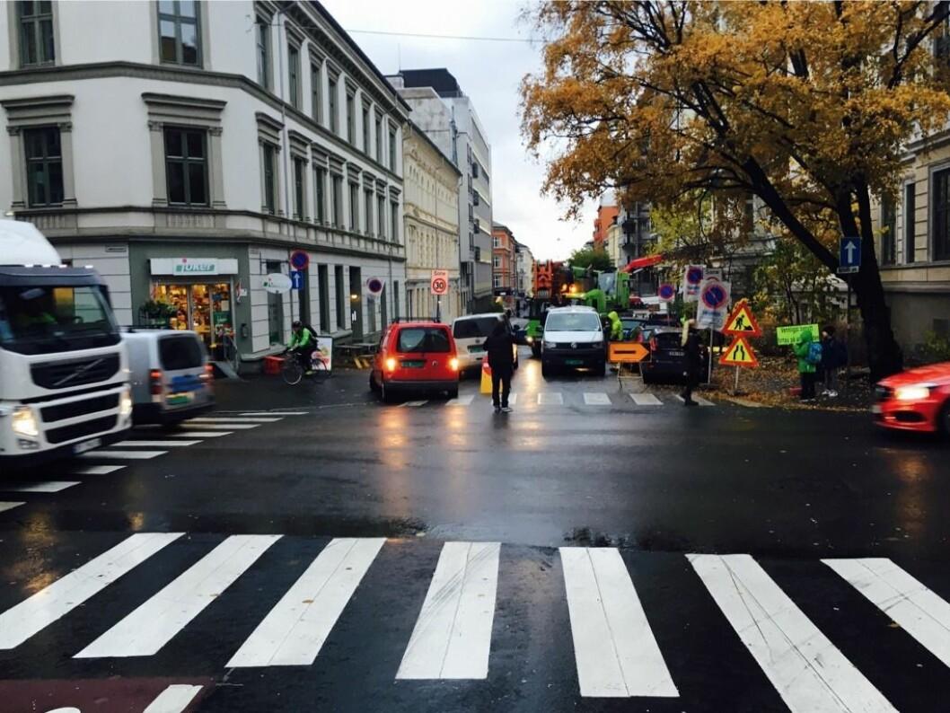 Bymiljøetaten ønsker ikke å stenge Løkkeveien for trafikk. Foto: Ruseløkkaaksjonen