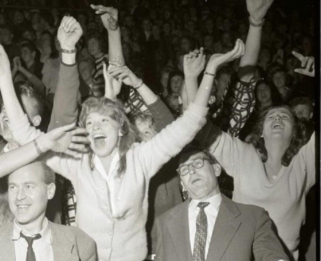 Publikum på Jordal Amfi når Oslos rocke-konge kåres,  4. september 1958. Foto: Ukjent / Oslobilder.no/ CC3.0