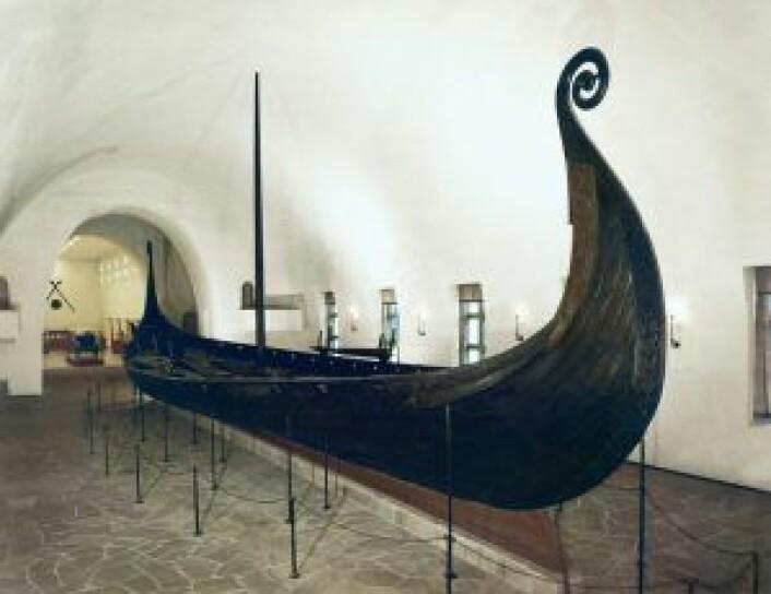 Osebergskipet på Vikingskipshuset på Bygdøy. Foto: Kulturhistorisk museum, Universitetet i Oslo