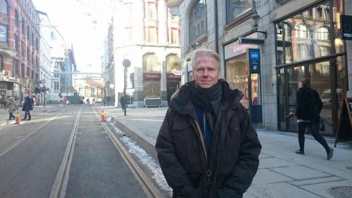 Prosjektleder i bymiljøetaten Jan Vidar Husby er svært fornøyd med nye Prinsens gate. Foto: Christian Boger
