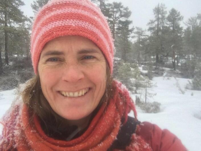 — Enkelte rever får i seg livstruende doser med rottegift, sier Nina E. Eide, seniorfosker i Norsk institutt for naturforskning. Foto: Privat
