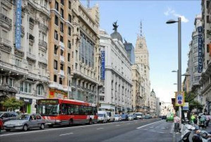 Gaten Gran Vía i Madrid. Foto: Jean-Pierre Dalbéra