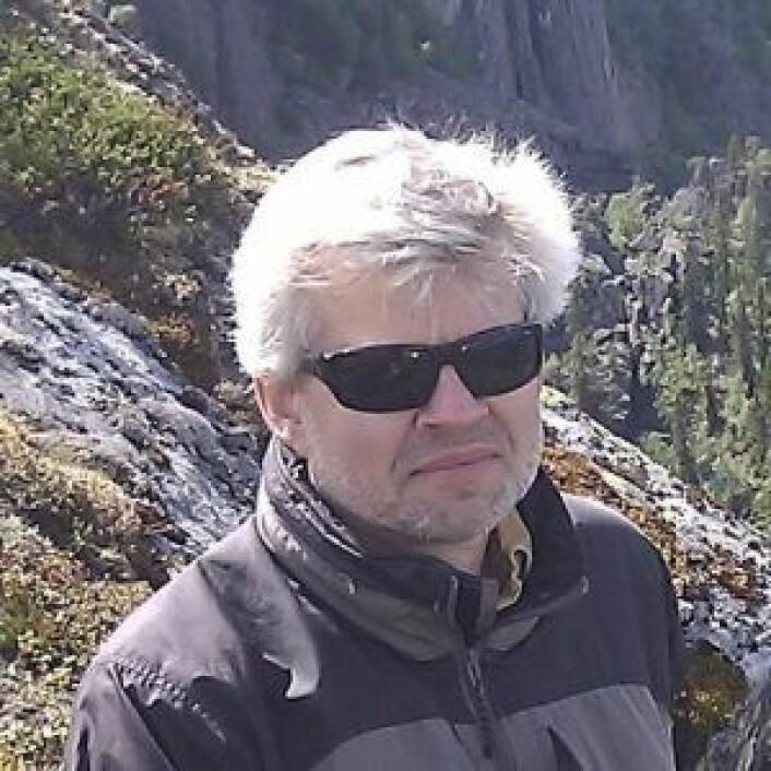 NGU-forsker John Dels sier at Sentinel-satellittene kan få med seg ørsmå bevegelser i bakken, for eksempel på Oslo S. Foto: Twitter