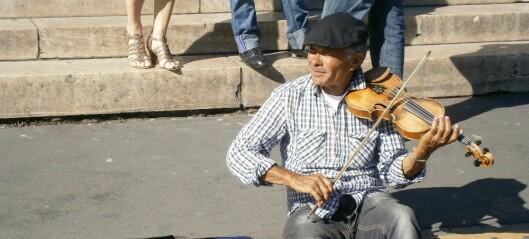 Oslopolitiet fikk sterke reaksjoner etter tweet om gatemusikant som fikk ramponert fiolinen sin