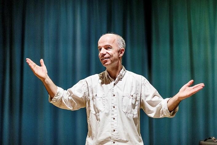 Steffen Kammler vil ha en relasjon til alle i koret. Da fungerer det best, sier han. Foto: Stine Raastad