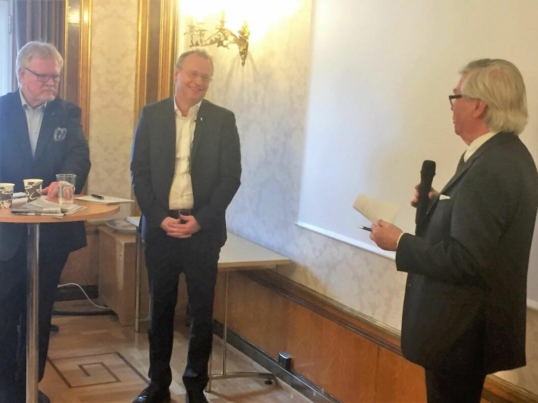 Byrådsleder Raymond Johansen  og direktør i Oslo handelsstands forening, Gunnar Larssen (t.v.), under møte om bilfritt byliv i Oslo. Foto: Vegard Velle