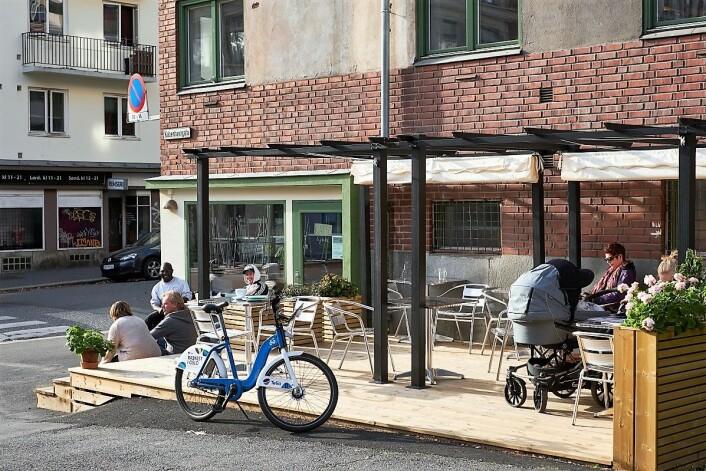 KaffeLykke er kafeen på Dælenenga der naboer, venninner og småbarnsforeldre møtes. Foto: Eivind Røhne / Boligbygg