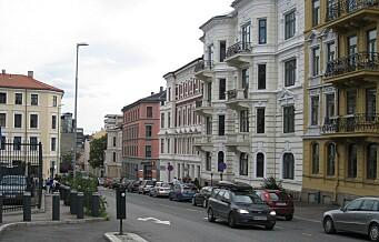 Bymiljøetaten tar hensyn til bil og buss, vil ikke stenge Løkkeveien for trafikk