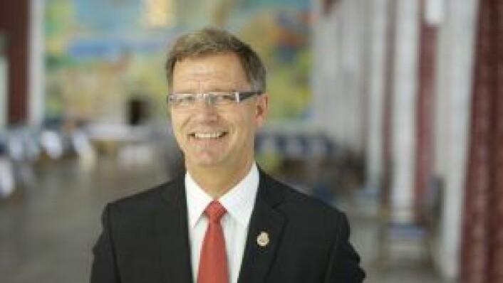 Robert Steen, byråd for finans, mener det er riktig å taksere stallen som et parkeringsanlegg.