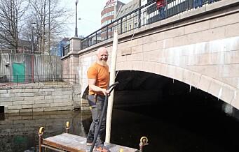 Denne påsken slo Akerselva trebåtforening ned påler og etablerte de første båtplassene for tresnekker i elva