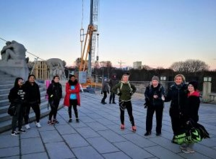 Deltagere på en av de første BodyChallenge i Frognerparken en hustrig marskveld. Foto: Nina Albertsen