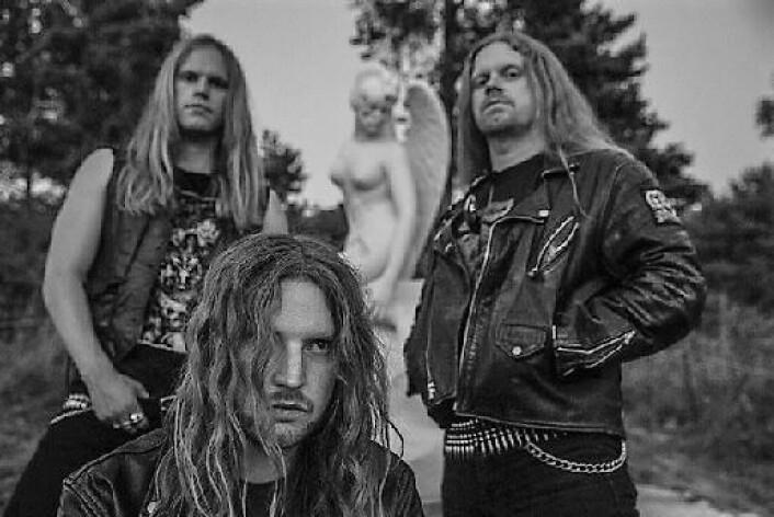 Nachash er et voksende navn på den norske black metal scenen. Her ved bandmedlemmene A, E og T. Foto:Lars Erlend Tubaas Øymo