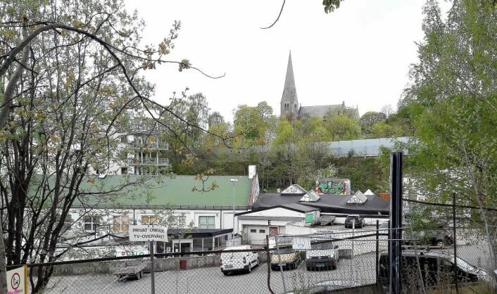 Oslo kommune vil omregulere denne tomta til boliger. Foto: Anders Høilund