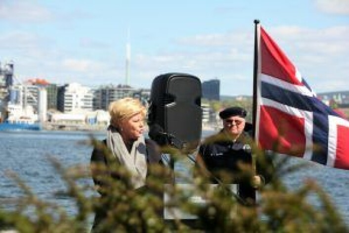 Statsråd Siv Jensen holdt tale og la ned krans på vegne av regjeringen. Foto: Hans Magnus Borge
