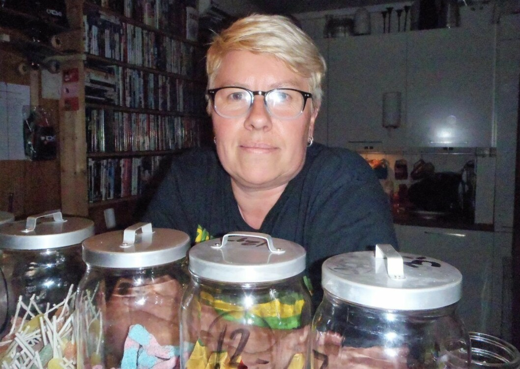 Fritidsklubbleder Siv Janna Glømmi i Hamna fritidsklubb ønsker at politikerne i bydelen ser nytten, og ikke bare utgiftene, med å ha fritidsklubber. Foto: Anders Høilund