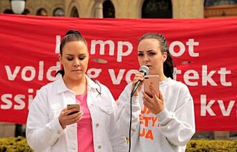 Andrea fra voldtektssaken i Hemsedal på demonstrasjon i går: - Hvor mange ganger må vi stå her?