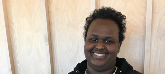 19-årige Abdullahi Bashir er Tøyen-beboernes nye talsperson: — Jeg vil ha lys på Tøyen torg